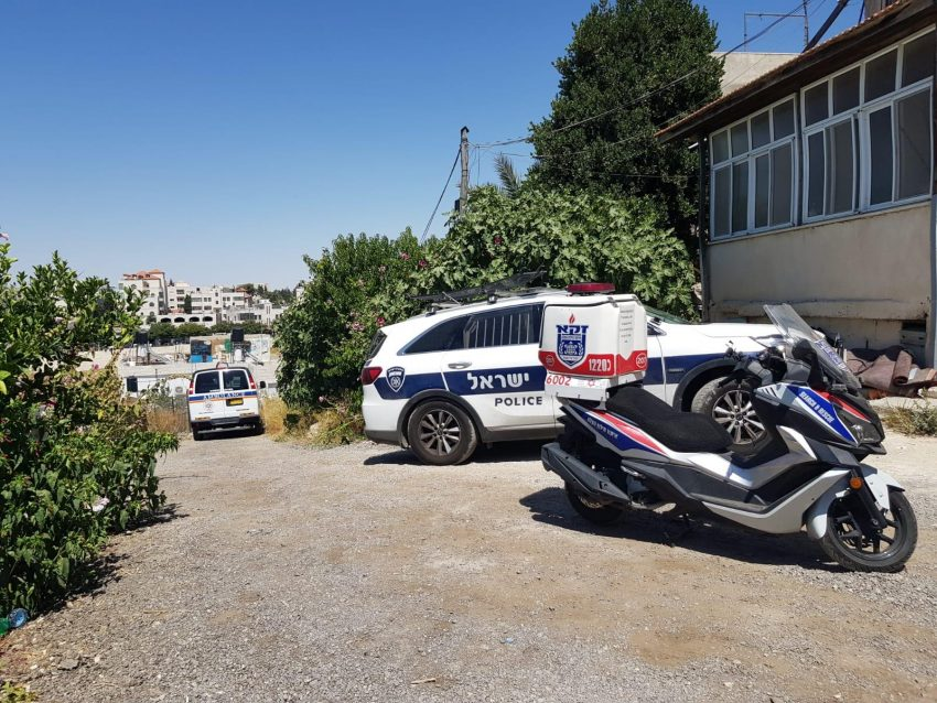 """סמוך לביתו של הגלמוד שדופתו נמצאה במצב ריקבון בשועאפט (צילום: דוברות זק""""א)"""