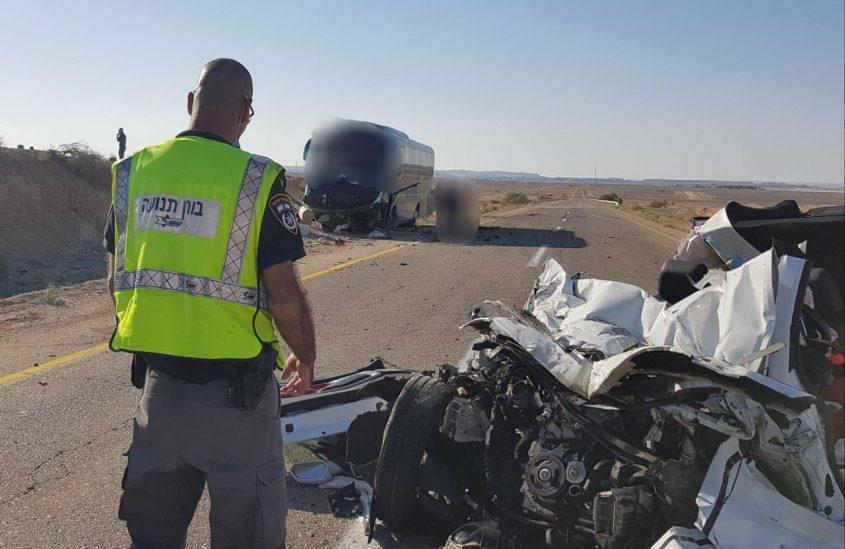 """זירת התאונה הקטלנית בכביש 40 שבו נהרג שמואל חזן ז""""ל (צילום: דוברות המשטרה)"""