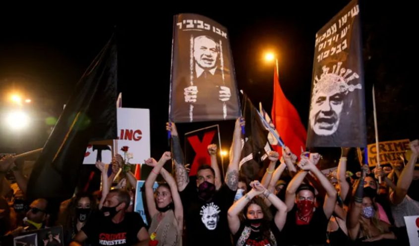 הלילה - ההפגנה מול בית ראש הממשלה ברחוב בלפור (צילום: אוהד צויגנברג)