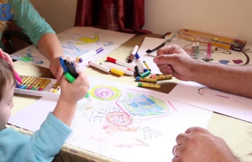 יוצרים מהלב - תרפיה באומנות בבית (צילום: עודד נשר)