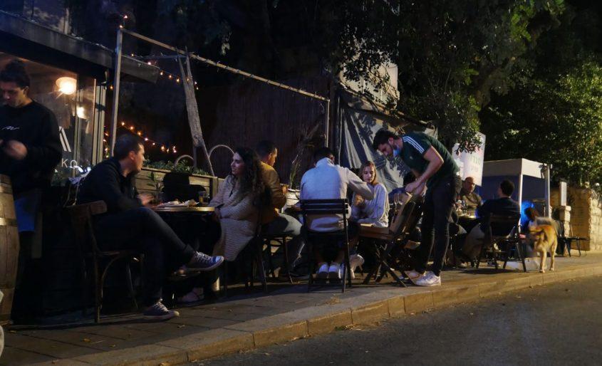 """""""בר יין"""" ברחוב עזה (צילום: אולג אלון)"""