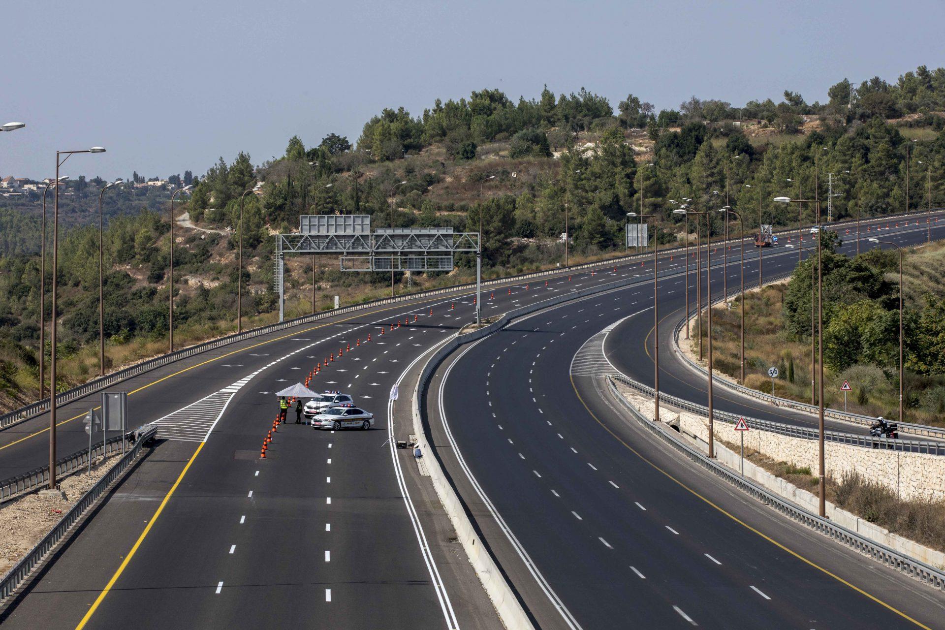 סגר ראש השנה בירושלים - כביש 1 (צילום: אוהד צויגנברג)