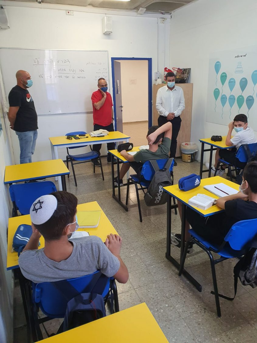 """ביקור מנכ""""ל החינוך עמית אדרי בבית הספר זיו (צילום: דוברות משרד החינוך מחוז י-ם)"""