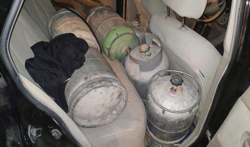 בלוני הגז שנתפסו בשמואל הנביא (צילום: משרד האנרגיה)