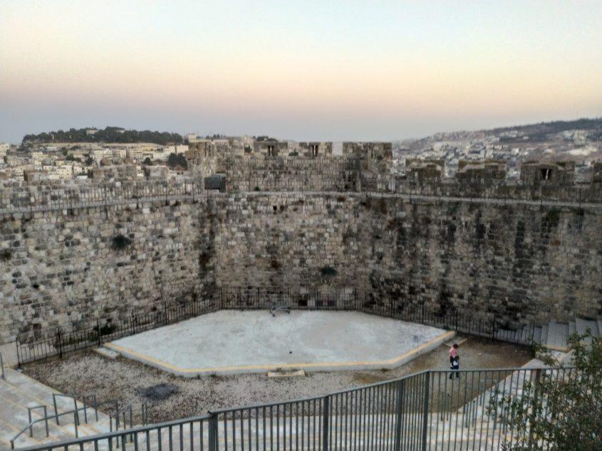 גן התקומה ברובע היהודי (צילום: שלומי הלר)