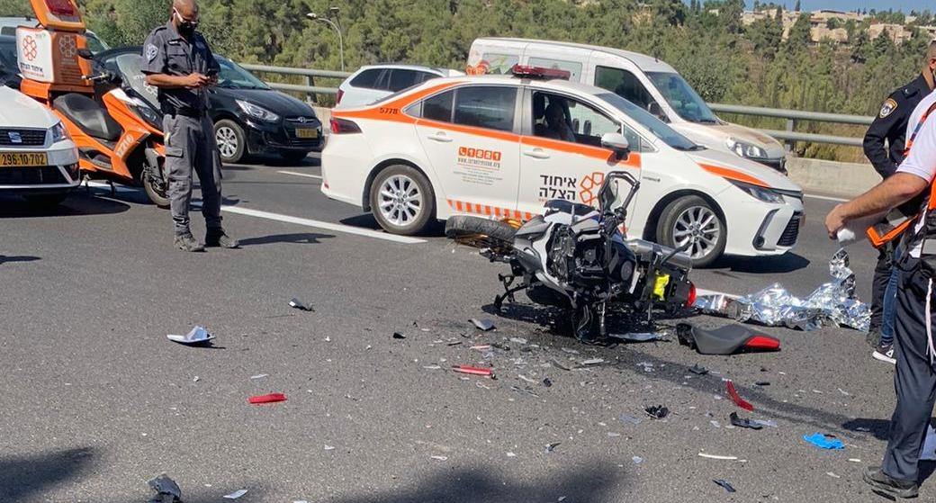זירת התאונה בכביש 1 (צילום: תיעוד מבצעי איחוד הצלה)