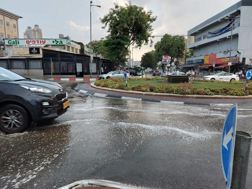 גשם ראשון - הצפות בתלפיות (צילום: יפעת ראובן)