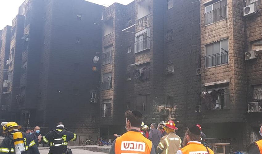 מתחם הבניינים שבו פרצה השריפה בשכונת רוממה, הבוקר (צילום: דוברות איחוד הצלה)