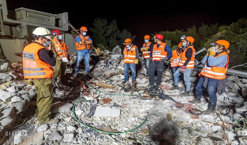 תרגיל יחידת חילוץ והצלה ברעידת אדמה במודיעין (צילום: עופר אשכנזי)
