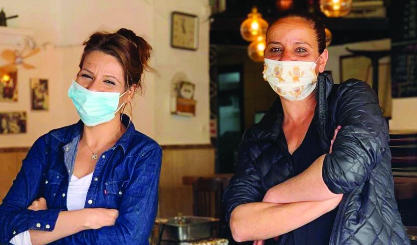 (מימין) מירב גיל ולירון קרן - האחיות רחמו (צילום: רון ירקוני יחסי ציבור)