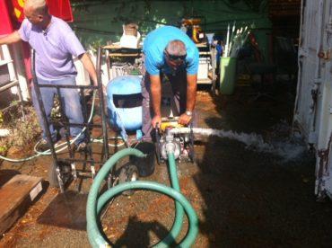 בדיקת משאבות לניקוז מי הגשמים (צילום: דוברות עיריית מודיעי מכבים רעות)
