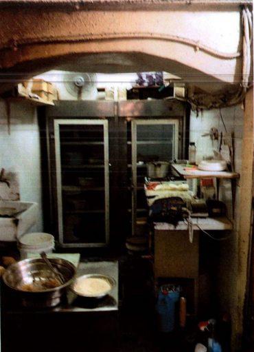 חנות הפלאפל בעיר העתיקה שבה נמצאו ליקויי תברואה(צילום: אריה אלירז - עיריית ירושלים)