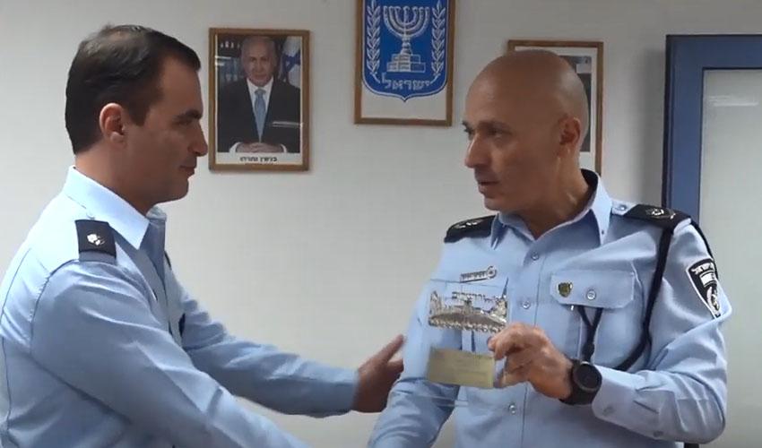 """מפקד משטרת מחוז ירושלים ניצב דורון ידיד ורפ""""ק יגאל יעקובוב (צילום: דוברות המשטרה)"""