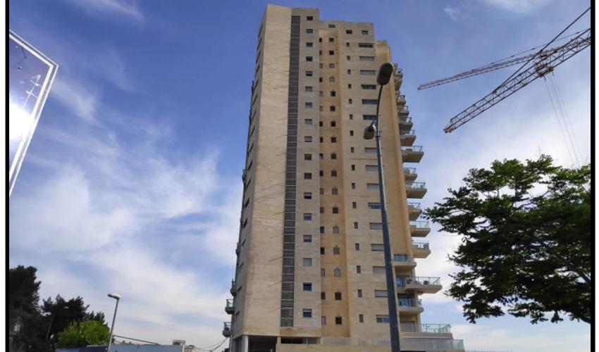 מגדל המגורים בקרית היובל (צילום: באדיבות משרד עורכי הדין בר-און כהן)