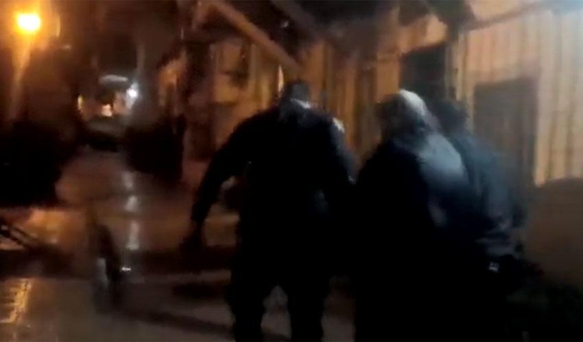 מתוך הסרטון המתעד את מעצרו של יוסף פליישמן (צילום: ישראל מ.ק)