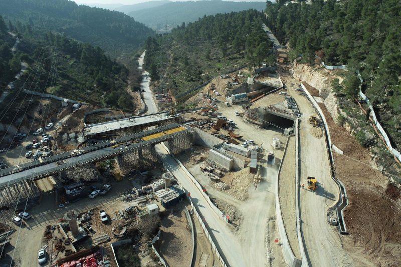 """עבודות תשתית בכביש 16 (צילום: יח""""צ כביש 16)"""