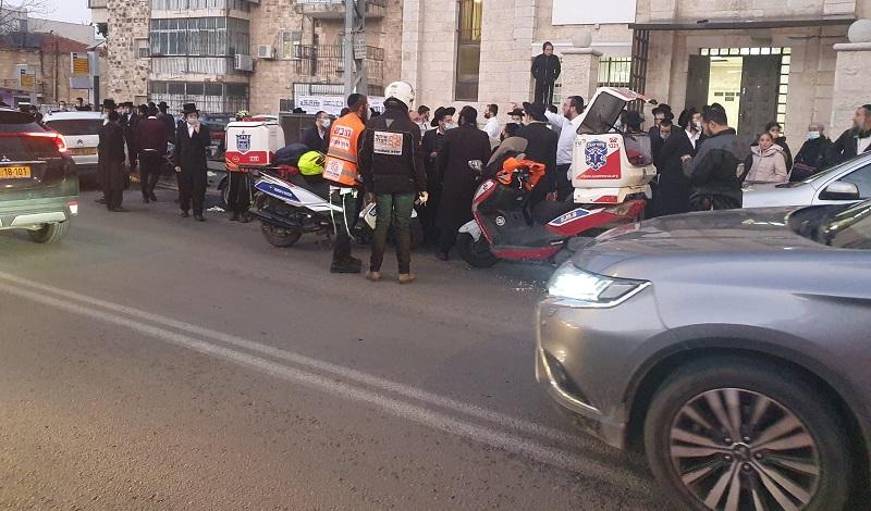 זירת התאונה ברחוב שמואל הנביא (צילום: דוברות איחוד הצלה)