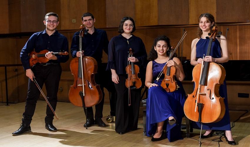 הנגנים בקונצרט לניצולי השואה (צילום: אלעד ברנגה)