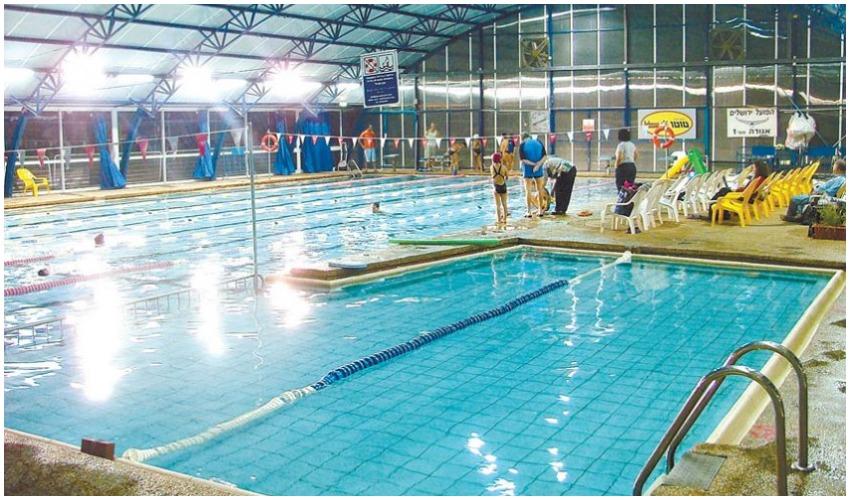 הבריכה בבית טיילור (צילום: שידלו אמיר)