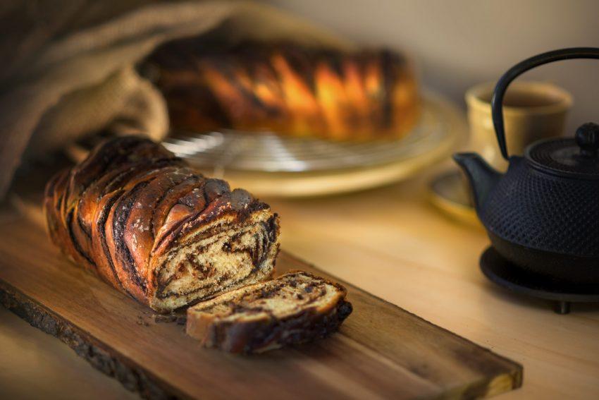 עוגות שמרים בטעם של פעם. מגדנייה וקפה דובשנית (צילום: shutterstock)