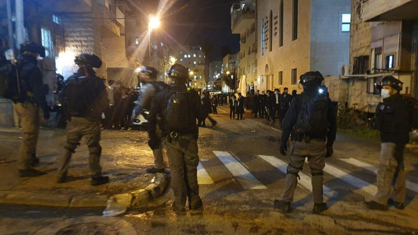מאה שערים, הלילה (צילום: דוברות המשטרה)
