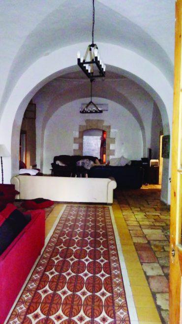 """בית הטוחן,פנים הבית (צילום: ד""""ר אדם אקרמן)"""