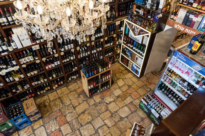 יין בשוק (צילום: שאול וינשטיין)