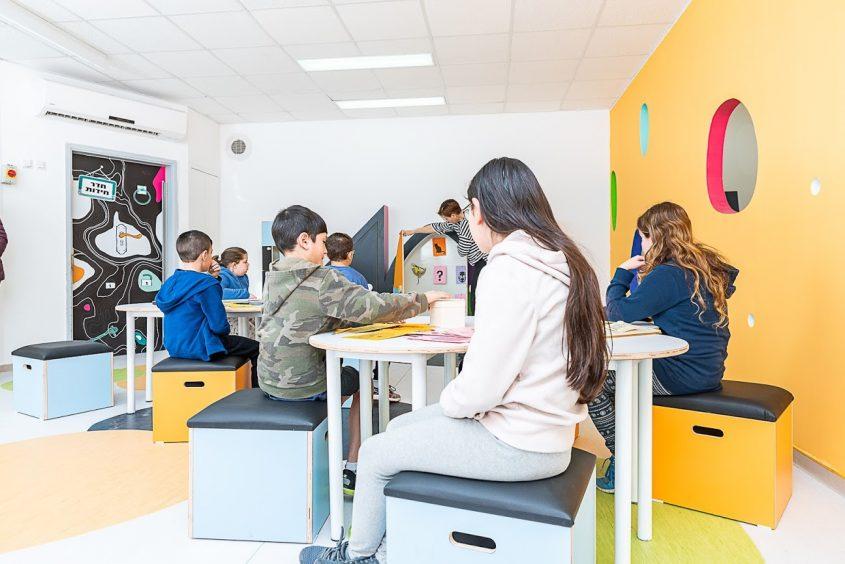 מרחב לימוד בבית ספר במודיעין (צילום: דקל אבו)