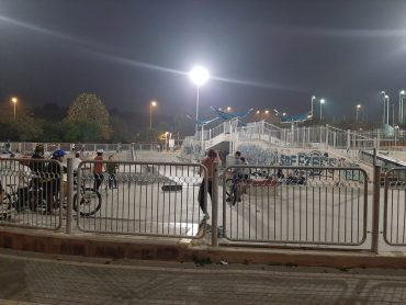 החלפת תאורה פארק האקסטרים (צילום: דוברות עיריית מודיעין מכבים רעות)