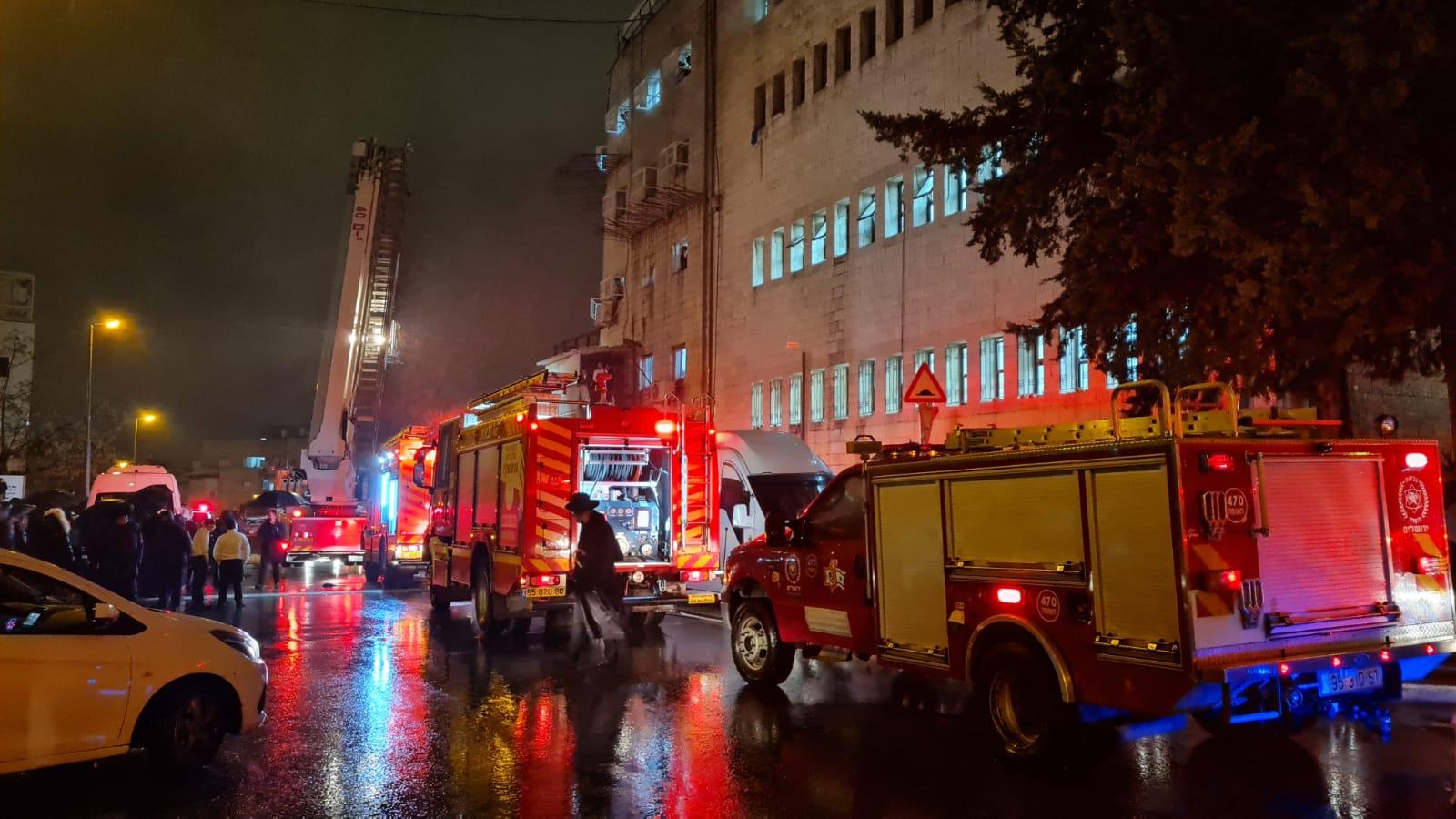 זירת השריפה (צילום: דוברות כבאות והצלה ירושלים)