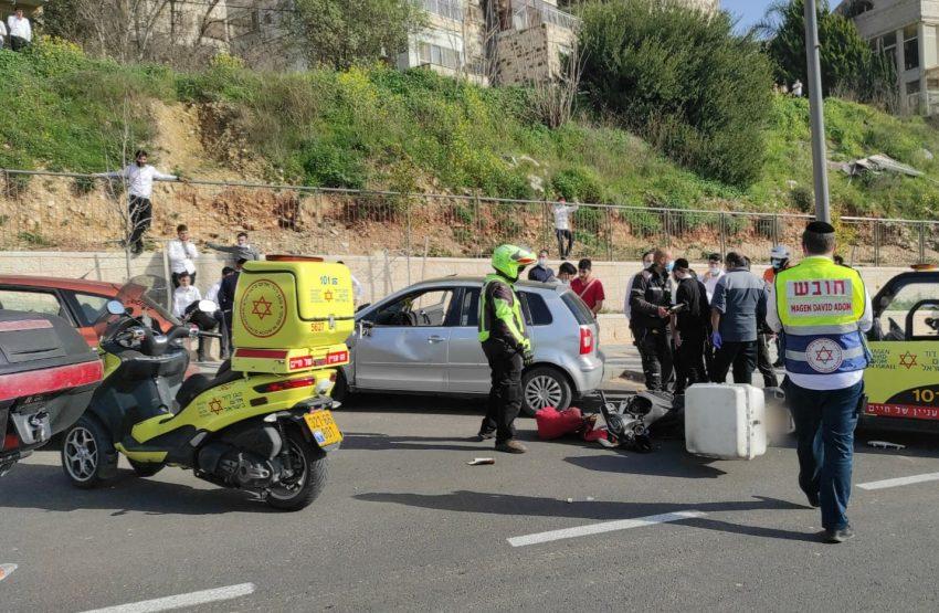"""זירת התאונה ברמת שרת (צילום: ישי לוי, תיעוד מבצעי מד""""א)"""