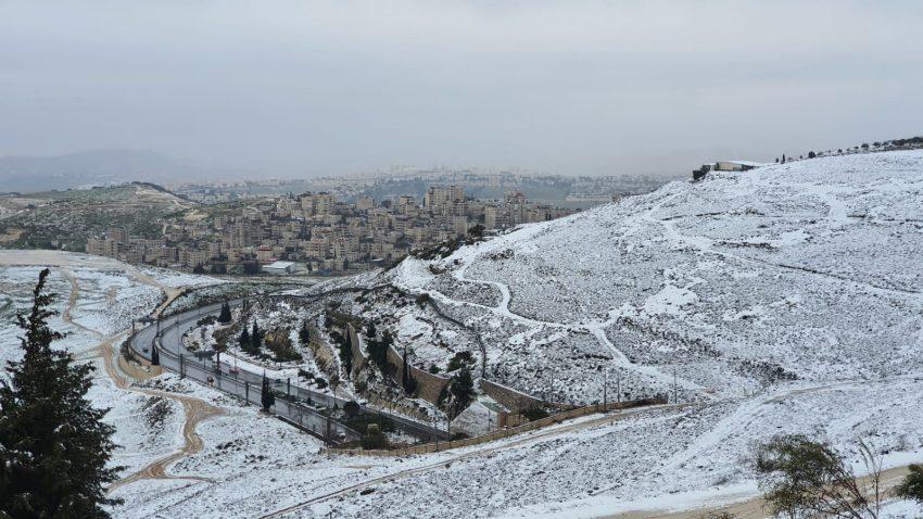 ההרים המושלגים - מבט מקמפוס הר הצופים (צילום: האוניברסיטה העברית)