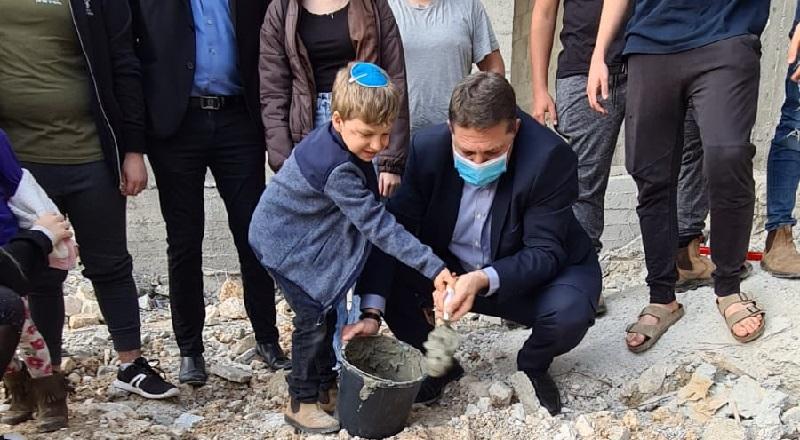הנחת אבן הפינה למבני תנועות נוער בשכונת נופים החדשה (צילום: דוברות עיריית מודיעין)