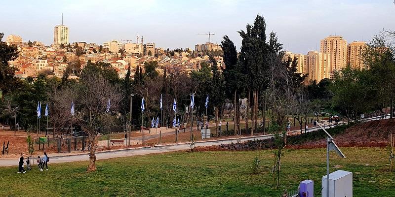 גינת הכלבים המשודרגת בגן סאקר (צילום: דוברות עיריית ירושלים)