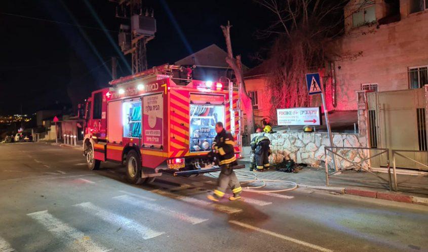 זירת השריפה הקטלנית בקרית היובל (צילום: דוברות כבאות והצלה ירושלים)