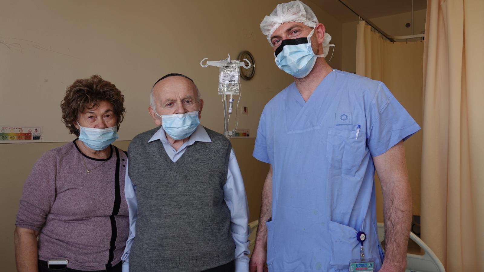 """ד""""ר משה גרוס, רופא בכיר במחלקת אורתופדיה במרכז הרפואי שערי צדק ויוסף וחיה קליינמן (צילום: דוברות שערי צדק)"""
