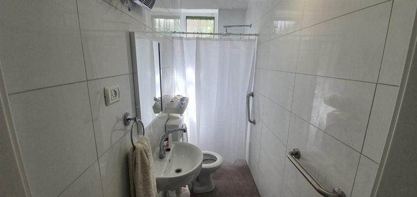 האמבטיה - אחרי השיפוץ (צילום: עומרי דוד)