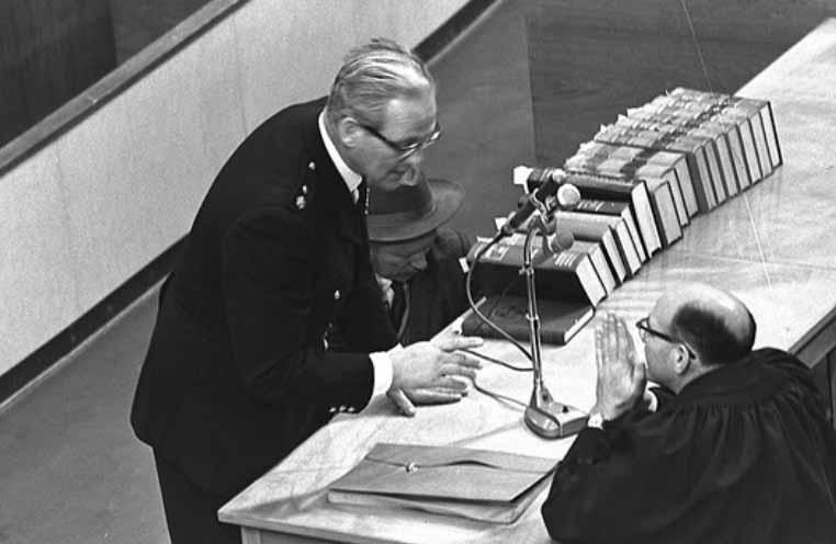 """התובע במשפט אדולף אייכמן, עו""""ד גדעון האוזנר (מימין) (צילום: לע""""מ)"""