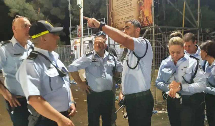 """מפכ""""ל המשטרה רנ""""צ קובי שבתאי, סמוך לזירת האסון בהר מירון, הלילה (צילום: דוברות המשטרה)"""