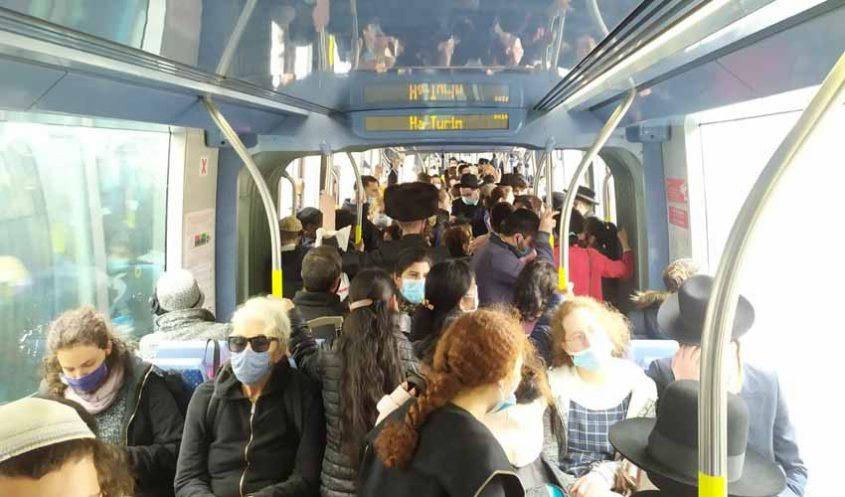 הרכבת הקלה, חול המועד פסח 2021 (צילום: שלומי הלר)