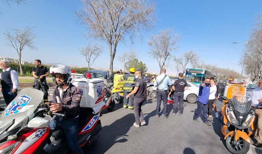זירת התאונה בפסגת זאב (צילום: דוברות איחוד הצלה)