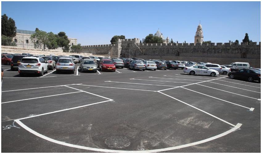 חניון חדש בעיר העתיקה (צילום: גלעד ארצי)