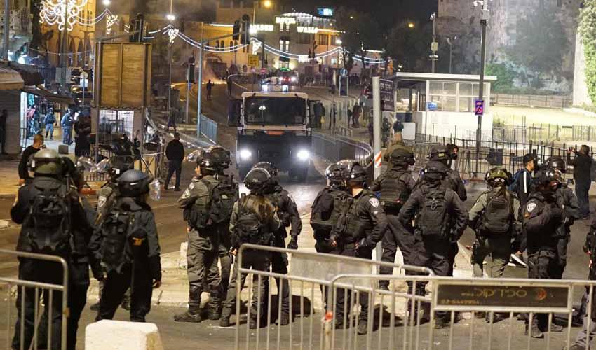 לילה של אלימות קשה בירושלים (צילום: דוברות המשטרה)