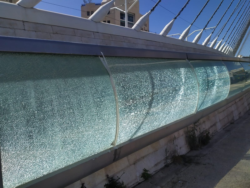 הוונדליזם בגשר המיתרים (צילום: פרטי)