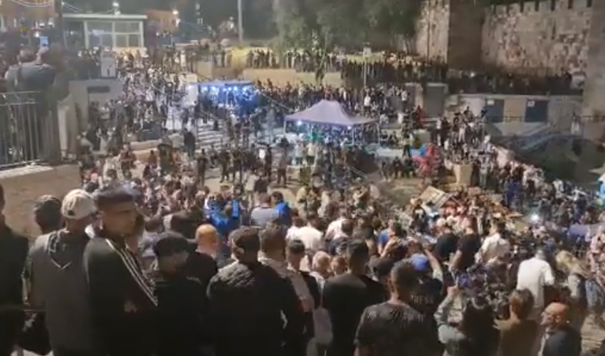 מהומות בשער שכם (צילום: דוברות המשטרה)