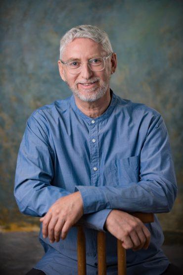 הוד אברהמסון, מומחה לטיפול בהתמכרויות ומייסד מכון אברהמסון (צילום: רונית ולפר)