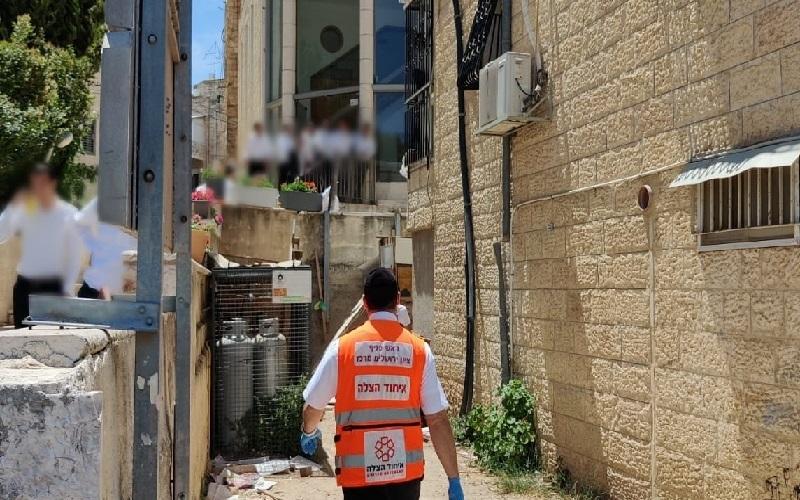 זירת התאונה ברחוב שאול המלך (צילום: תיעוד מבצעי איחוד הצלה)
