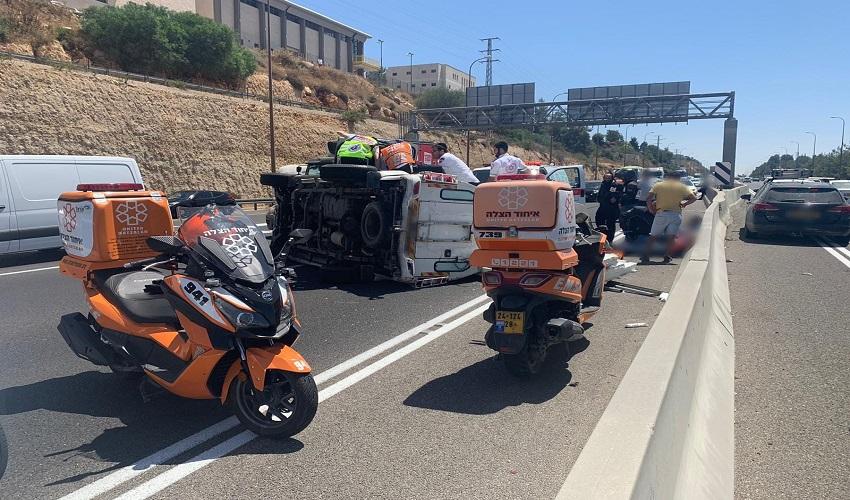 זירת התאונה (צילום: איחוד הצלה סניף מבשרת והסביבה)