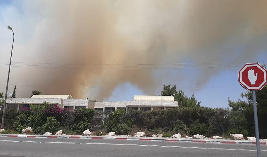 """השריפה בהר הרוח (צילום: כב""""ה ירושלים)"""