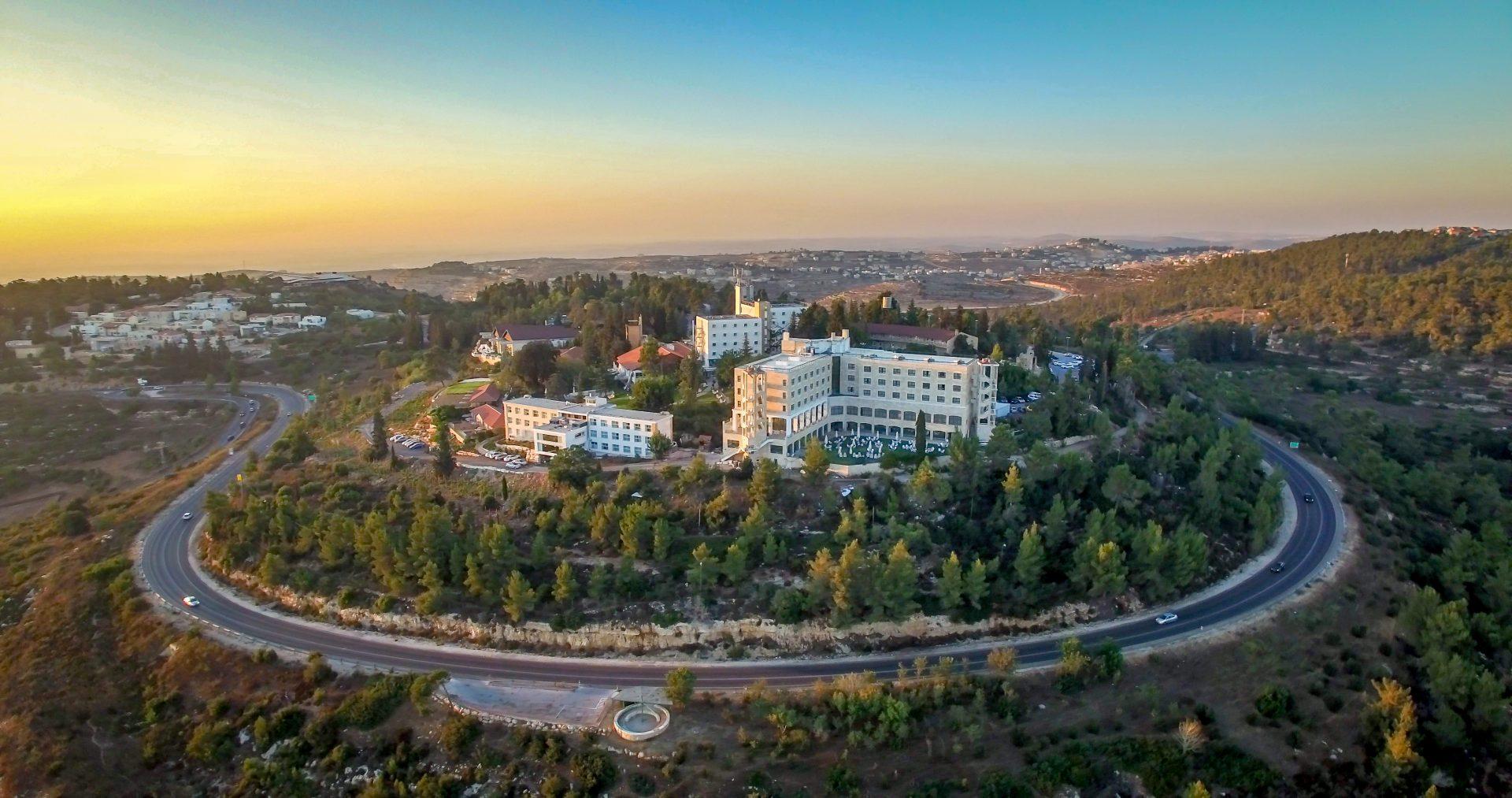 מלון יערים באיזור ירושלים: נוף עוצר נשימה, אטרקציות מסביב ועוד